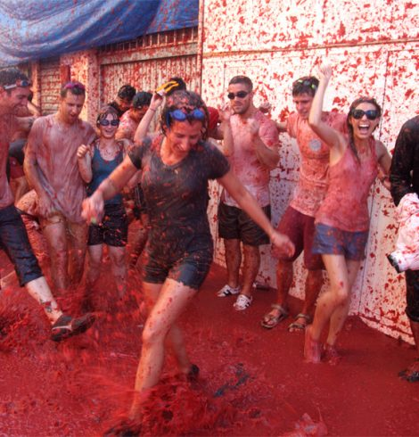 Tomatina Festival Gets Through 160 Tons of Tomatoes in Hour-Long Battle