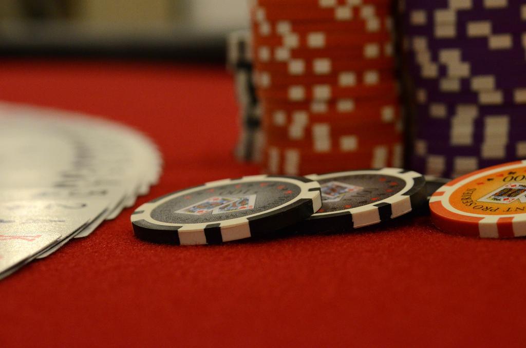 A Round of Celebrity Poker