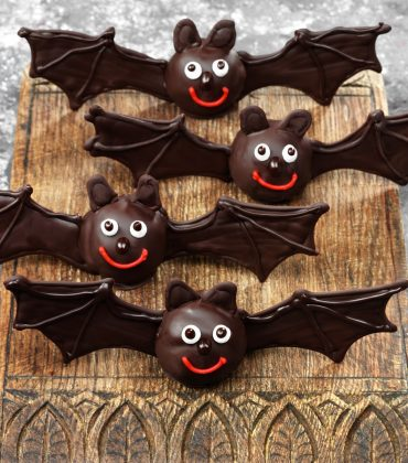 Chocolate Bats for Halloween from Dr Oetker