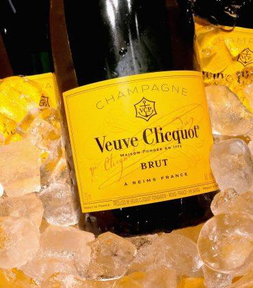 Veuve Clicquot brings a tropical summer paradise