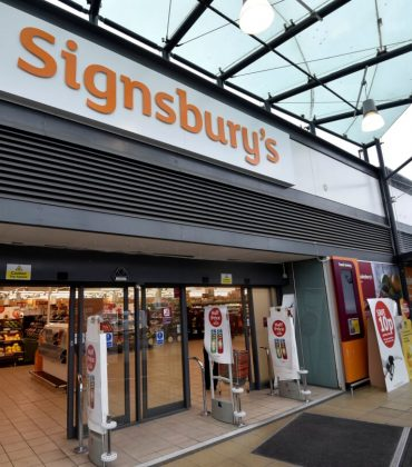 WELCOME TO SIGNSBURY'S…SAINSBURY'S UNVEILS UK'S FIRST SIGNING STORE