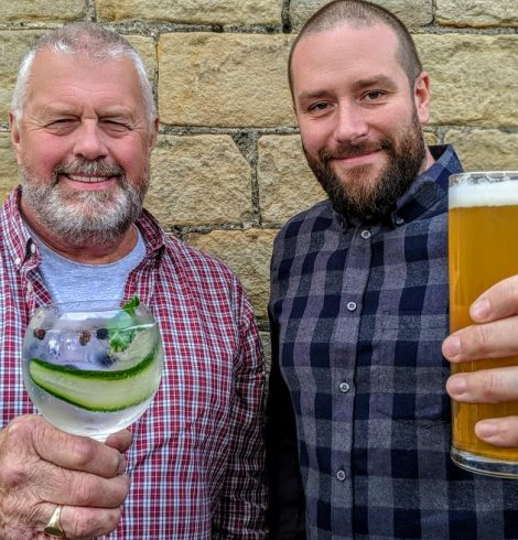 Mobile Craft Bar Business Brings Plenty of Christmas Cheer to the Region