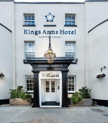 Six Hosts Michelin Star Hampton Court Dinner