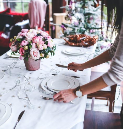 4 Tips On Being The Best Dinner Party Guest