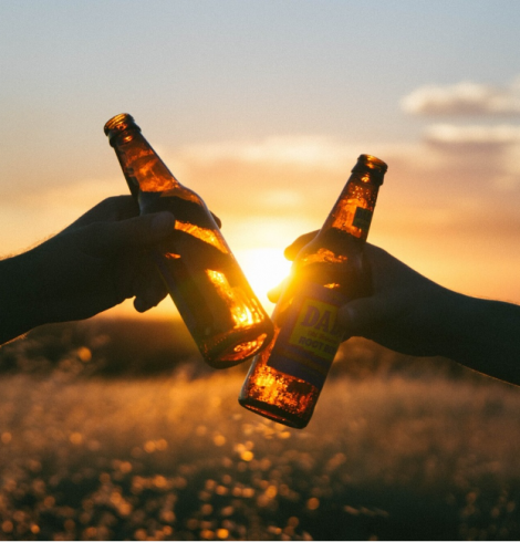Bottled Beer vs Canned Beer: Who Wins?